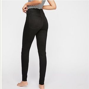 Levi's mile high rise with destruction in black